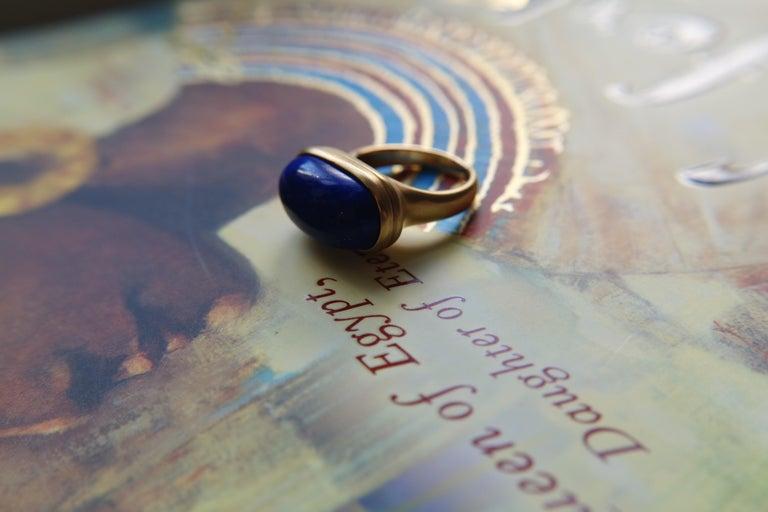 Women's Wendy Brandes Egyptian Mechanical Locket / Poison Lapis Lazuli 18K Gold Ring For Sale