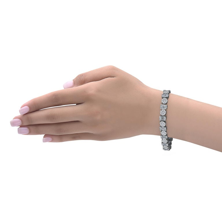 Emilio Jewelry 10.65 Carat Diamond Bracelet In New Condition For Sale In New York, NY