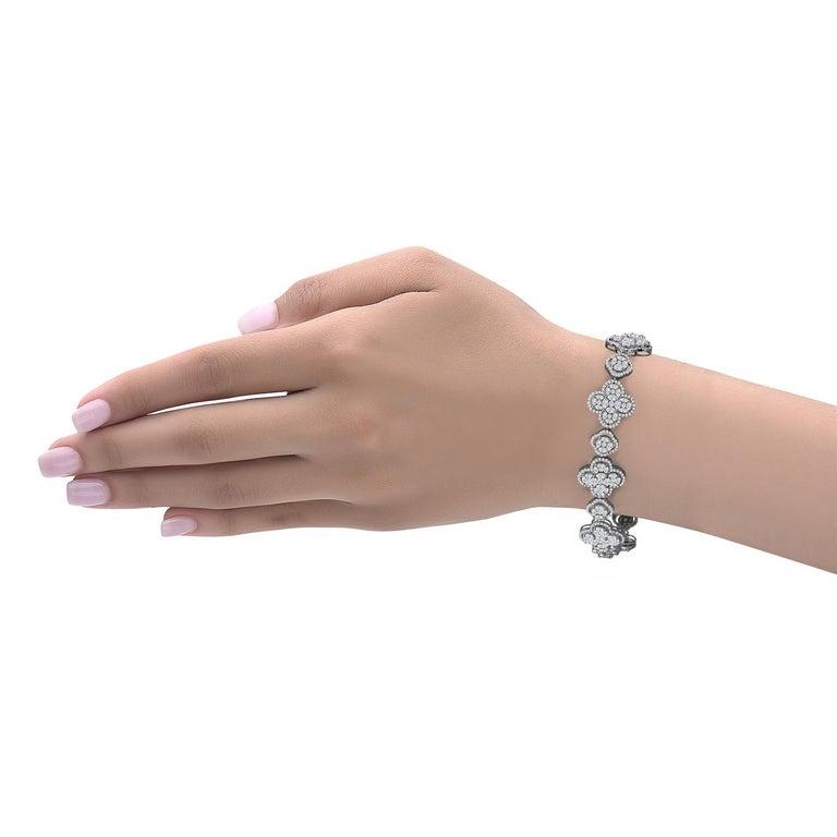 Emilio Jewelry 7.50 Carat Diamond Flower Bracelet In New Condition For Sale In New York, NY