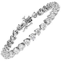 Three pronged diamond Gold Link bracelet