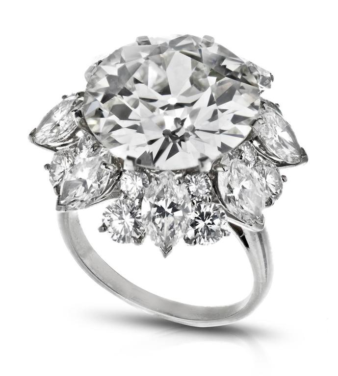Bulgari 12.21 Carat GIA Cert Diamond Platinum Ring  In Excellent Condition For Sale In New York, NY