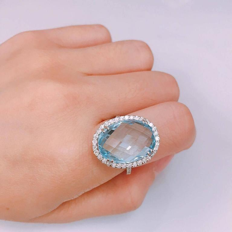 14.50 Carat Blue Topaz Diamond Gold Oval Ring 2
