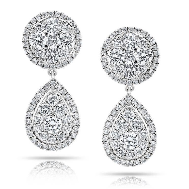 Pear Drop Diamond Gold Earrings In As new Condition For Sale In New York, NY