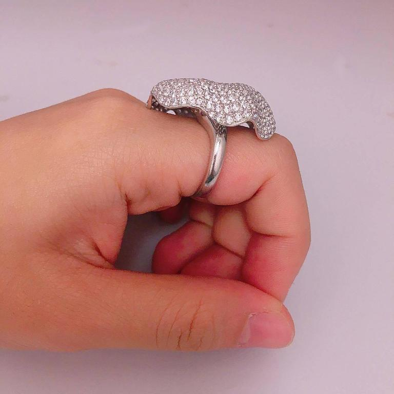 One Of A Kind Diamond Cocktail Ring  In New Condition For Sale In New York, NY