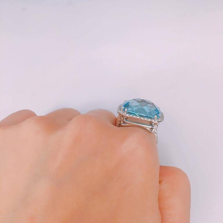 Women's 29.00ct Blue Topaz Diamond Ring For Sale