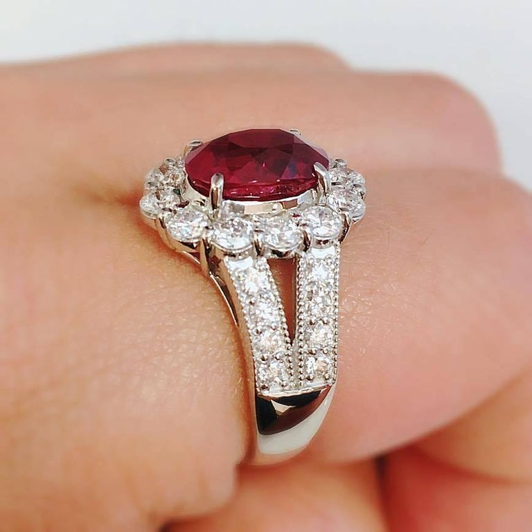 Pigeons Blood Burmese Ruby Diamond Platinum Ring In New Condition For Sale In New York, NY