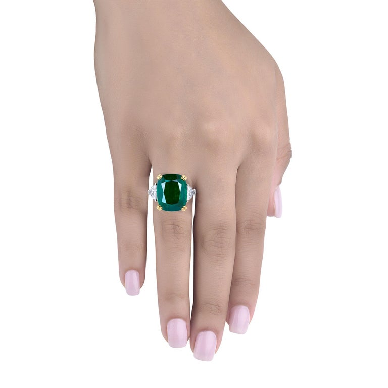 Emilio Jewelry 12.27 Carat Certified Genuine Emerald Diamond Ring In New Condition For Sale In New York, NY