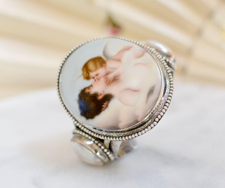 Jill Garber Rare French Cupids Kiss Porcelain with Mother-of-Pearl Cuff Bracelet For Sale 4
