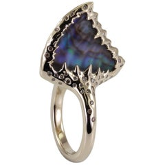 Fin 18 Karat White Gold Diamonds Abalone Mother of Pearl Rock Crystal Ring