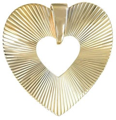 Retro Gold Heart Pin/Pendant