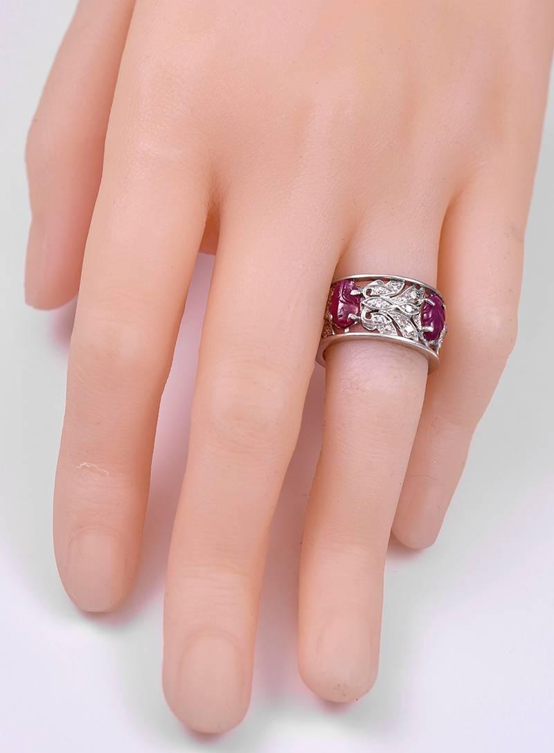 Art Deco Diamond Carved Ruby Platinum Band ring For Sale at 1stdibs