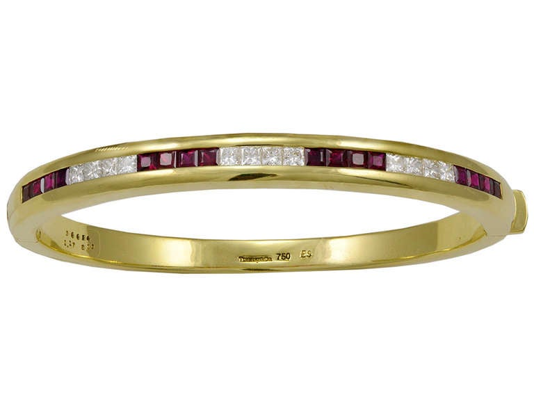 Fabulous, heavy 18K gold bangle bracelet made and signed by Tiffany & Co.
