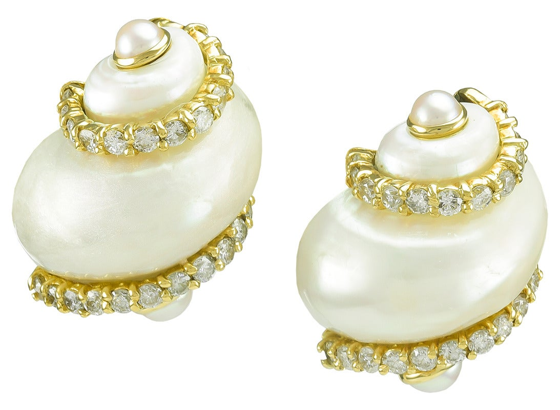 Seaman Schepps Diamond Gold Turbo Shell Earclips In Excellent Condition For Sale In New York, NY