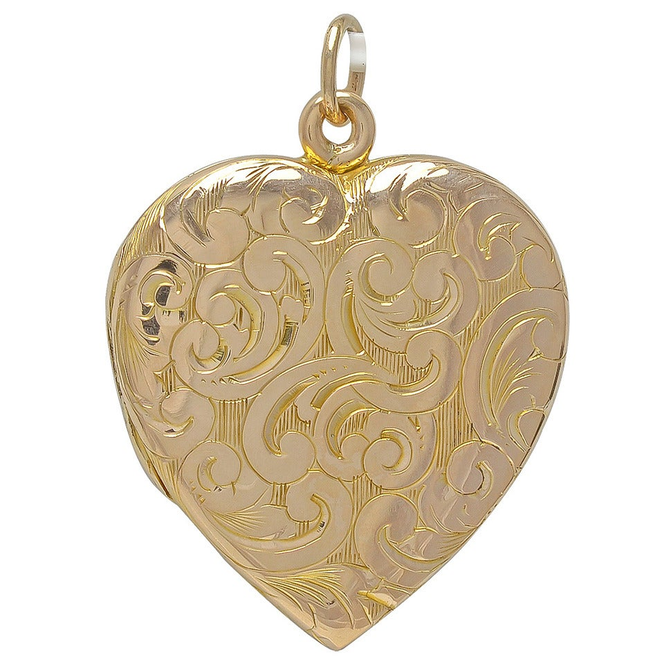 Antique Figural Gold Heart Locket For Sale