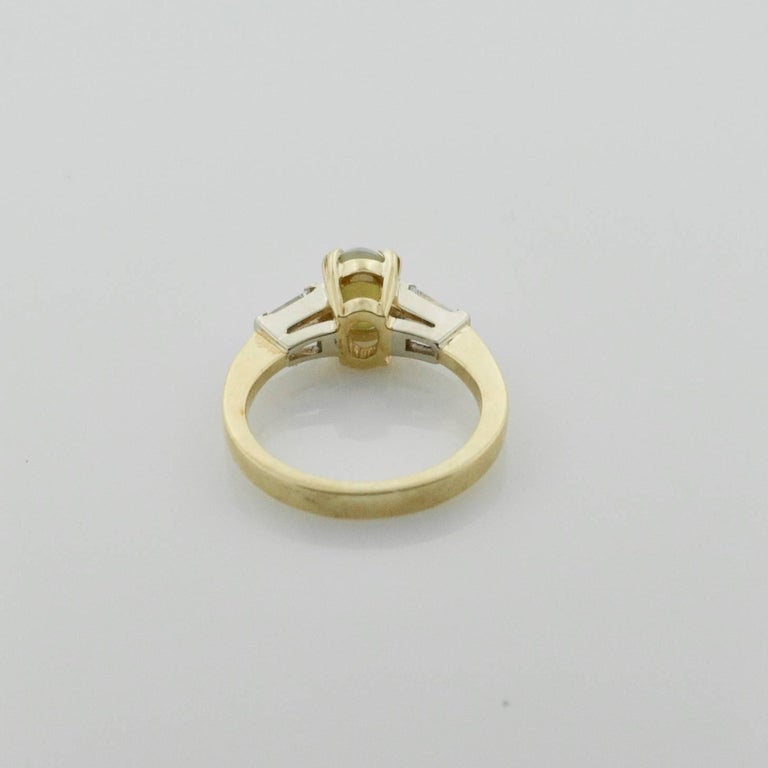 Women's or Men's Cats-Eye and Diamond Ring in 18 Karat For Sale