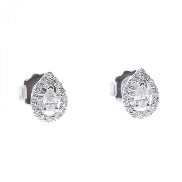 Contemporary 0.36 Carat GVS Pear Diamond Clip-On Earrings 18 Karat White Gold Stud Earrings For Sale
