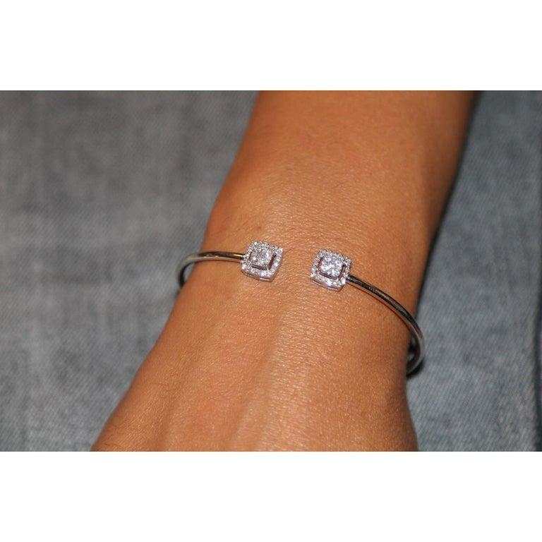 0.61 Carat GVS Round Diamond Bangle Bracelet 18 Karat White Gold Cuff Bracelet In New Condition For Sale In paris, FR
