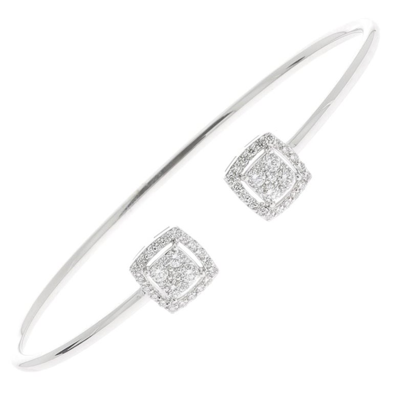 0.61 Carat GVS Round Diamond Bangle Bracelet 18 Karat White Gold Cuff Bracelet For Sale