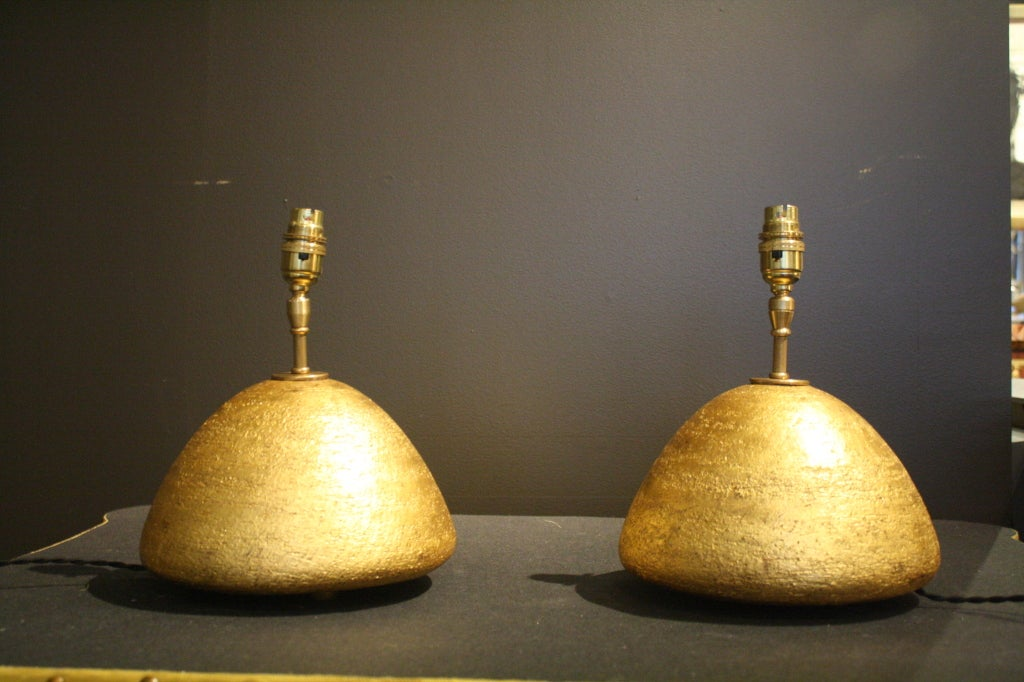 Pair of Gilded Ceramic Gumdrop Lamps by Andrea Koeppel In Excellent Condition For Sale In New York, NY