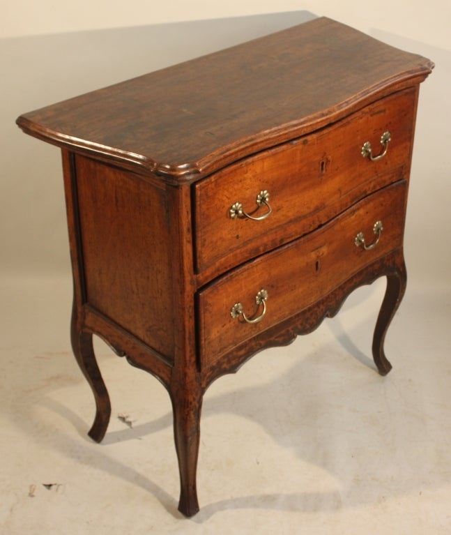unusual louis xv petite commode at 1stdibs. Black Bedroom Furniture Sets. Home Design Ideas