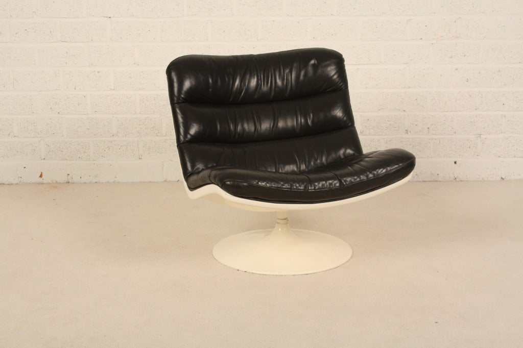 Dutch Harcourt black leather nice patine for Artifort 3