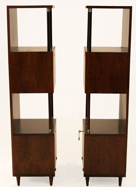 Brazilian Rosewood Bar or Cabinet by Joaquim Tenreiro In Good Condition For Sale In Los Angeles, CA