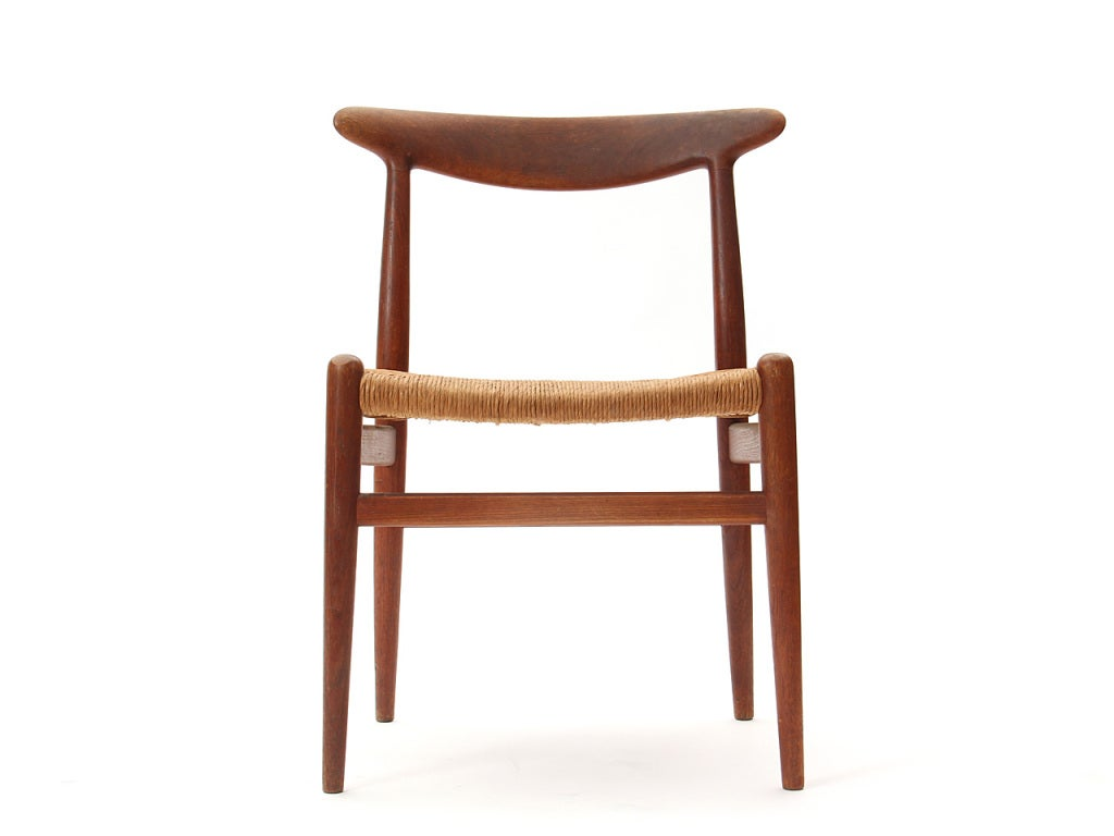 Dining chairs by hans wegner for sale at 1stdibs for Wegner dining chair