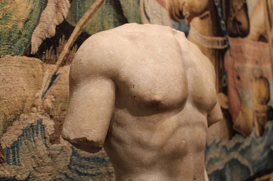 Large and Beautifully Sculpted First Century Ad Classical Roman Torso of an Athl 9