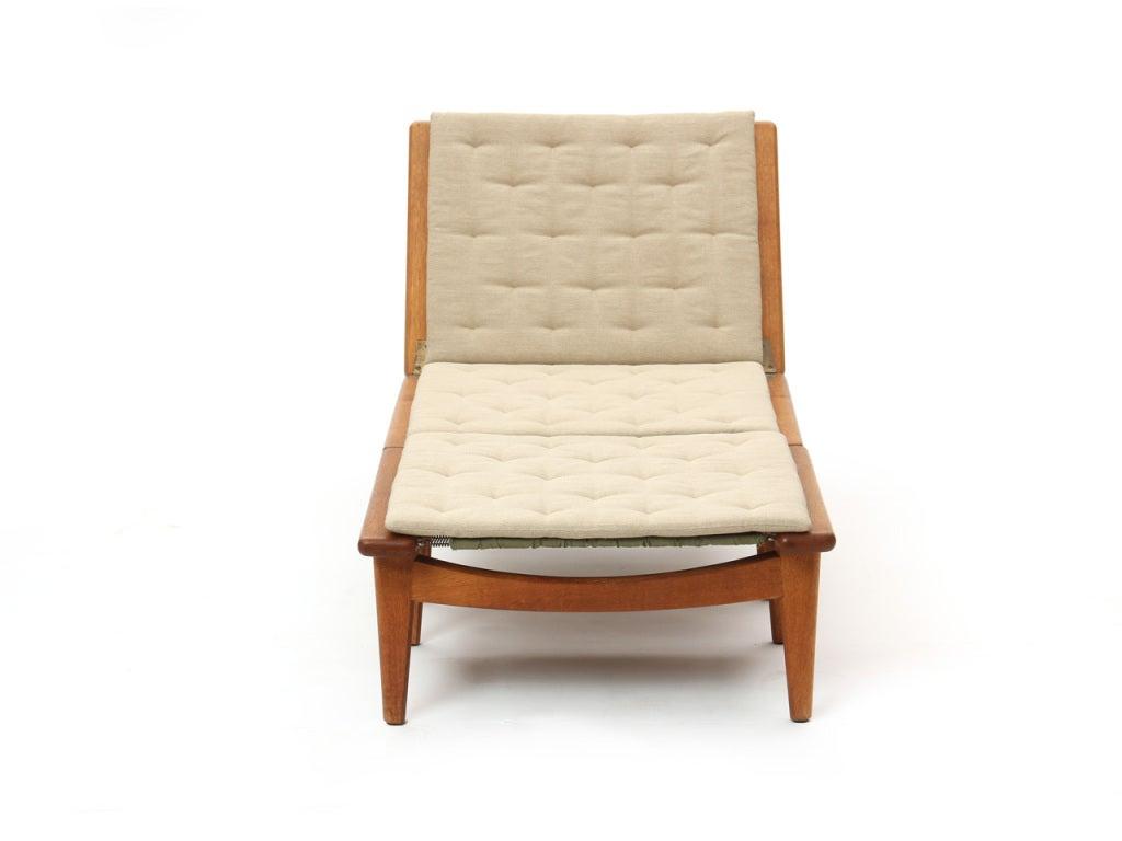 chaise longue by hans j wegner for sale at 1stdibs. Black Bedroom Furniture Sets. Home Design Ideas