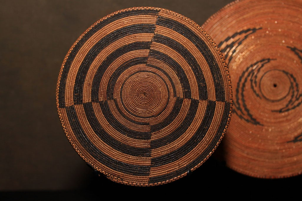 Woven Disc Basket : African tutsi agaseke woven prestige disc at stdibs