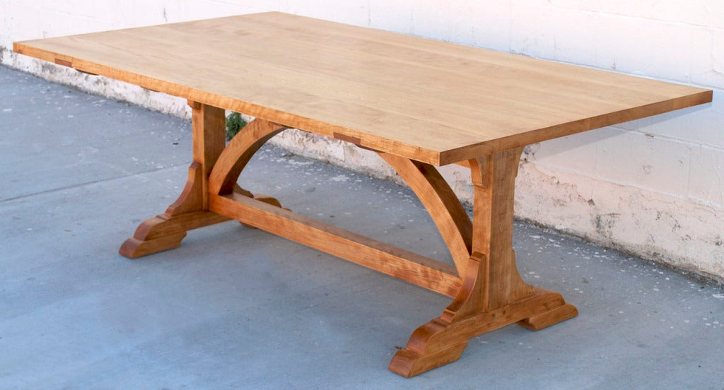 This table is inspired by a Swedish country table from the mid-19th century. As it is shown here, it is made in flame birch, hand planed and assembled with two extension leaves (90