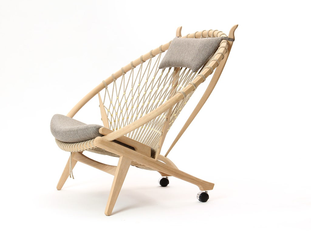 The Circle Chair by Hans J. Wegner 2