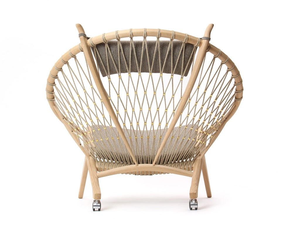 The Circle Chair by Hans J. Wegner 5