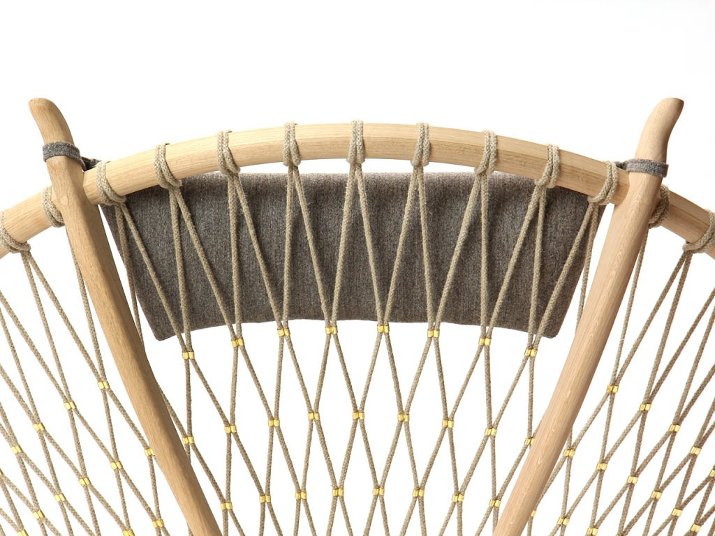 The Circle Chair by Hans J. Wegner 7