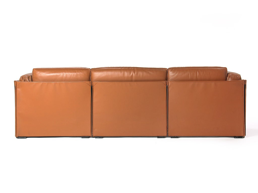 Mid-Century Modern Duc Sofa by Mario Bellini For Sale