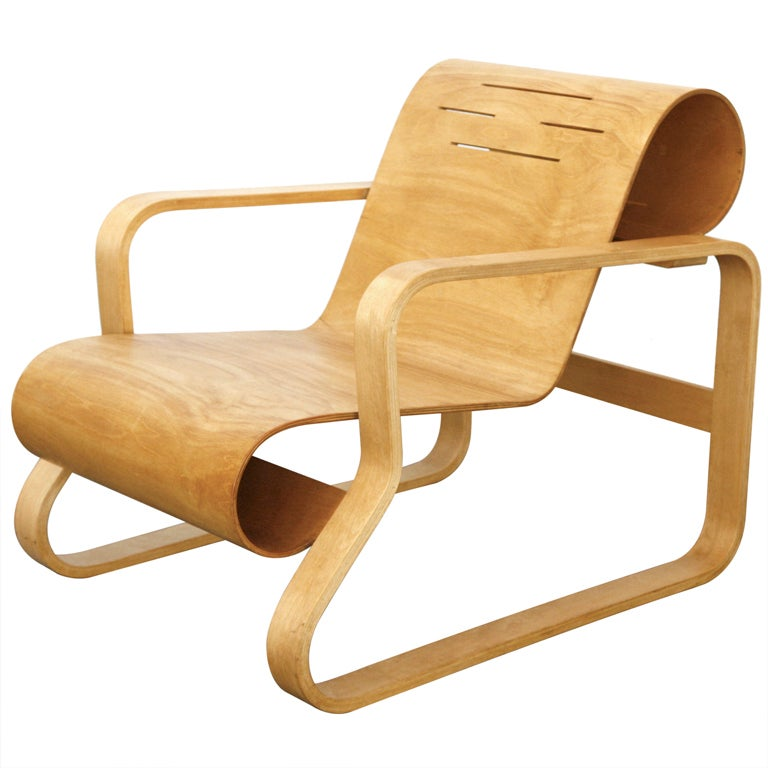 Paimio lounge chair nr 41 by alvar aalto at 1stdibs for Alvar aalto chaise