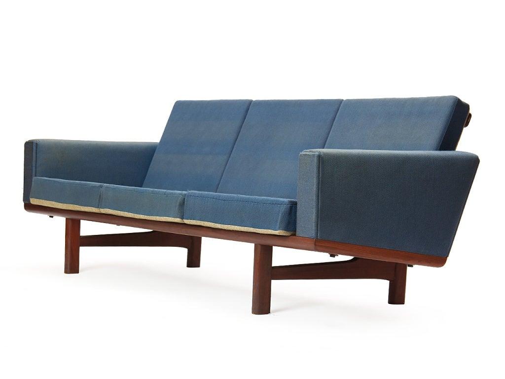 Sofa by Hans J. Wegner 2