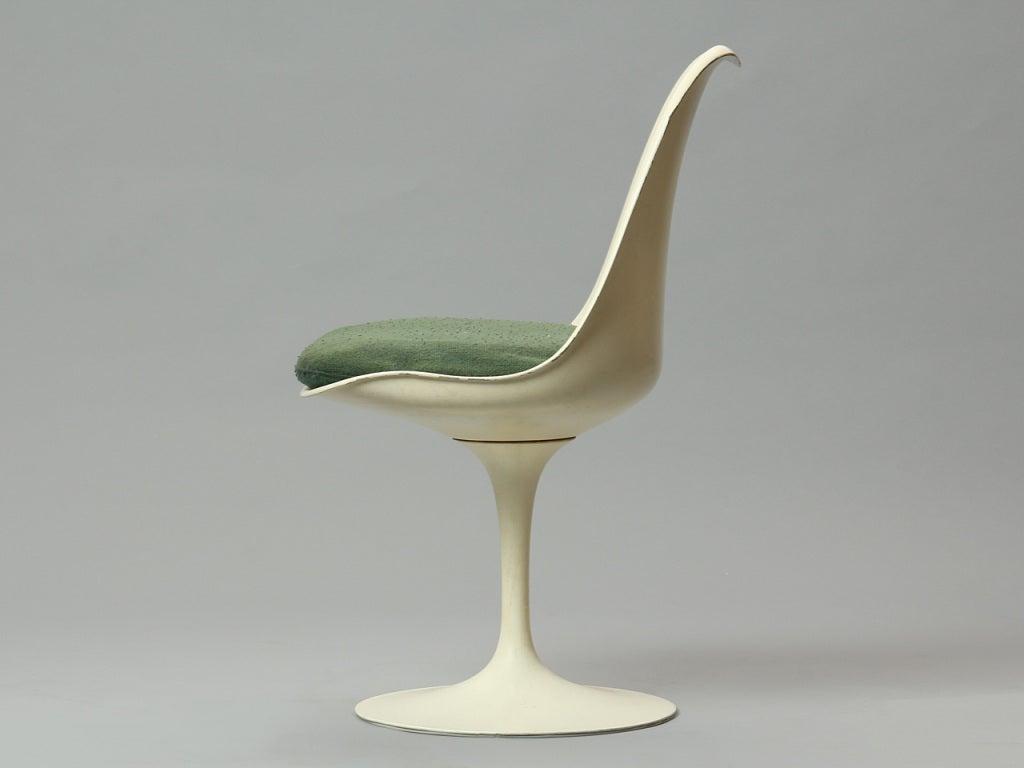 American Dining Set by Eero Saarinen For Sale