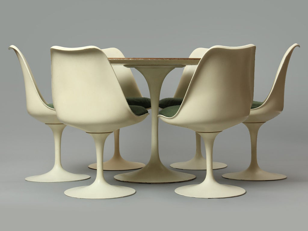 Dining Set by Eero Saarinen For Sale 2