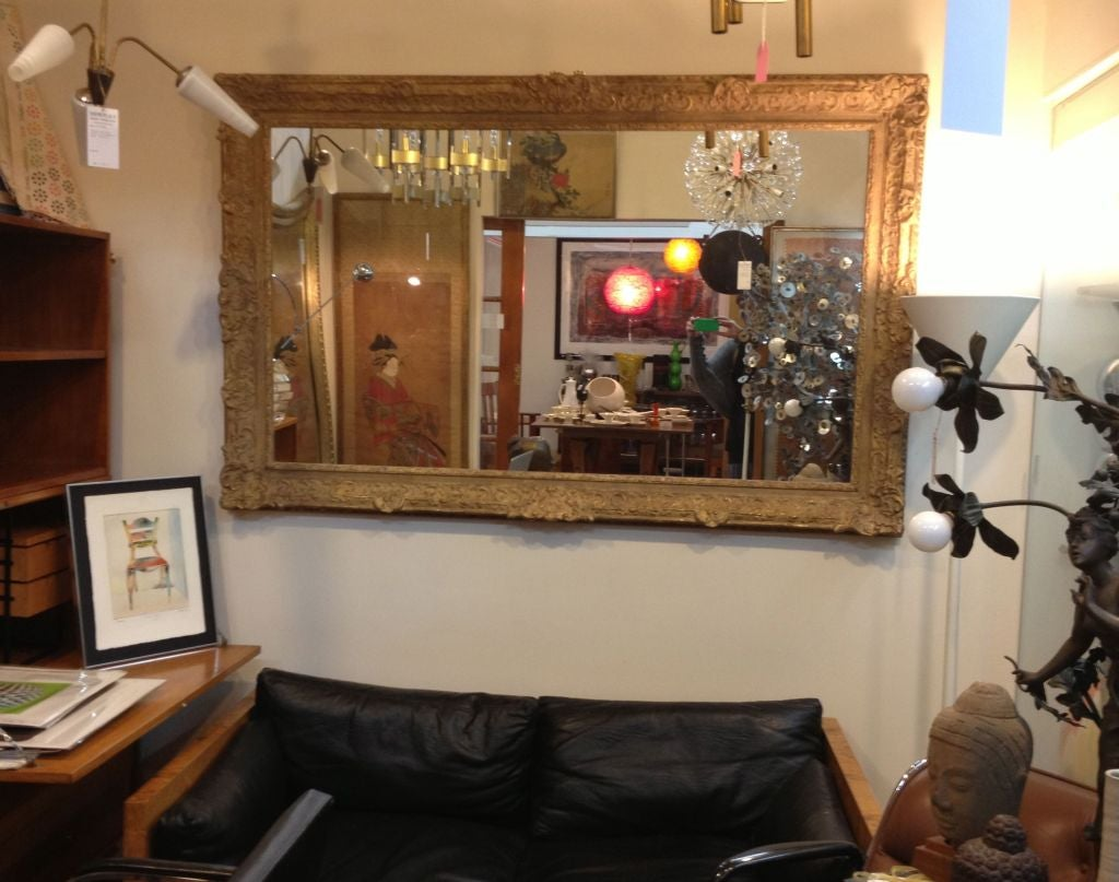Large Mirror with Elaborate Vintage Gilt Wood Frame For Sale 4
