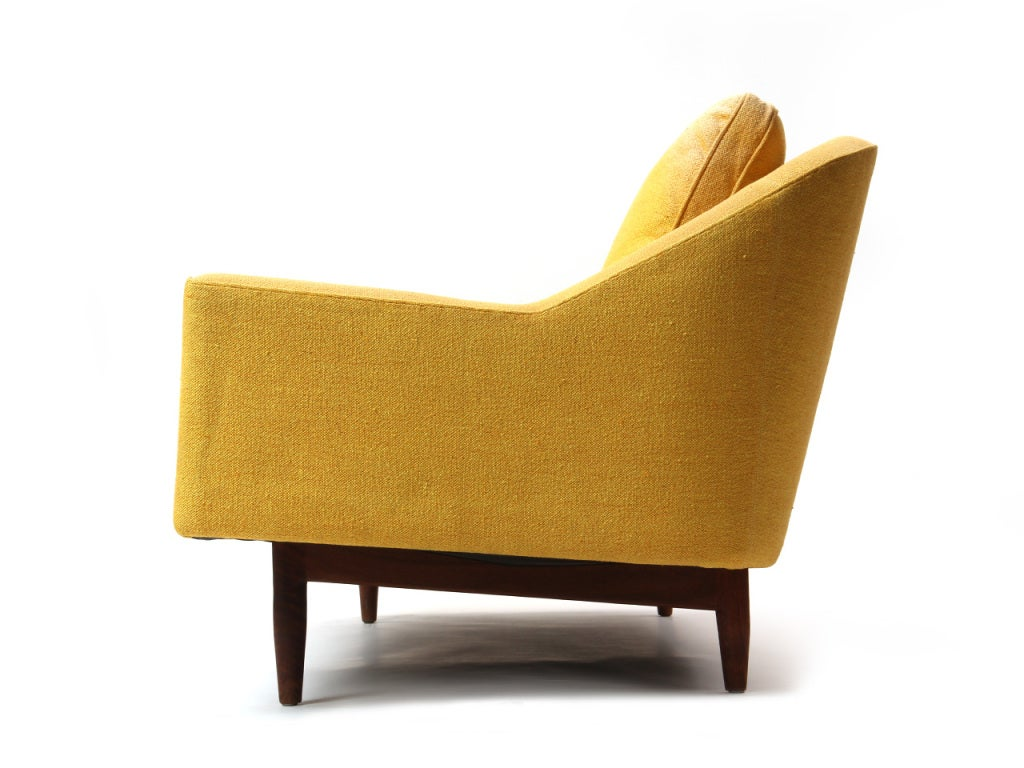 Sofa by Jens Risom In Good Condition For Sale In Sagaponack, NY