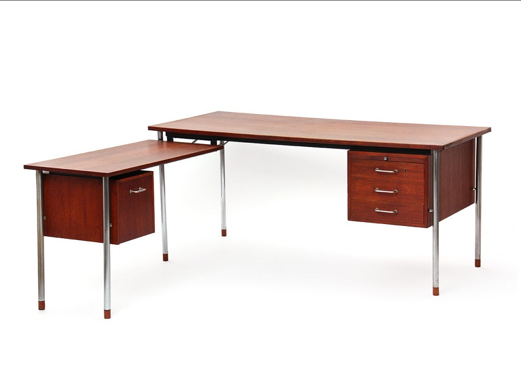 Teak and Steel Desk by Larsen and Madsen In Good Condition For Sale In New York, NY