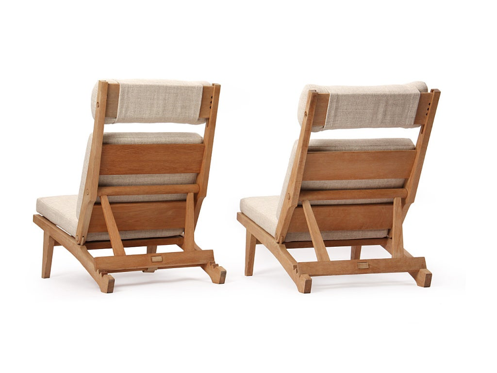 Low lounge chairs by hans j wegner at 1stdibs for Furniture assembly seattle