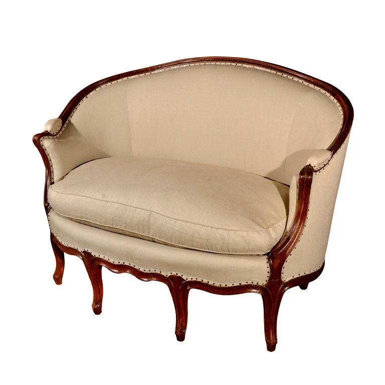 louis xv walnut canape at 1stdibs. Black Bedroom Furniture Sets. Home Design Ideas