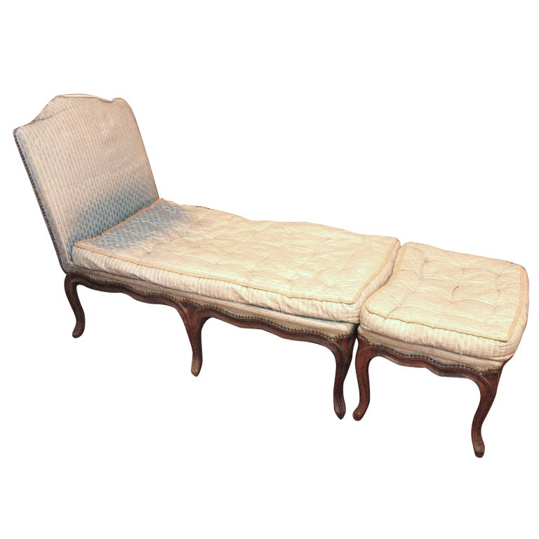 Louis xv chaise longue with tabouret at 1stdibs for Chaise longue frau