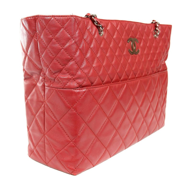 593458711deb Chanel Red Leather XXL Tote Bag In Excellent Condition For Sale In Palm  Beach, FL