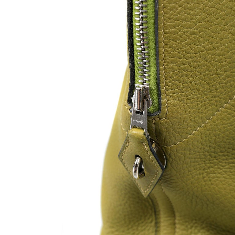 Hermes Vert Anis Clemence 27 cm Bolide Bag For Sale 1