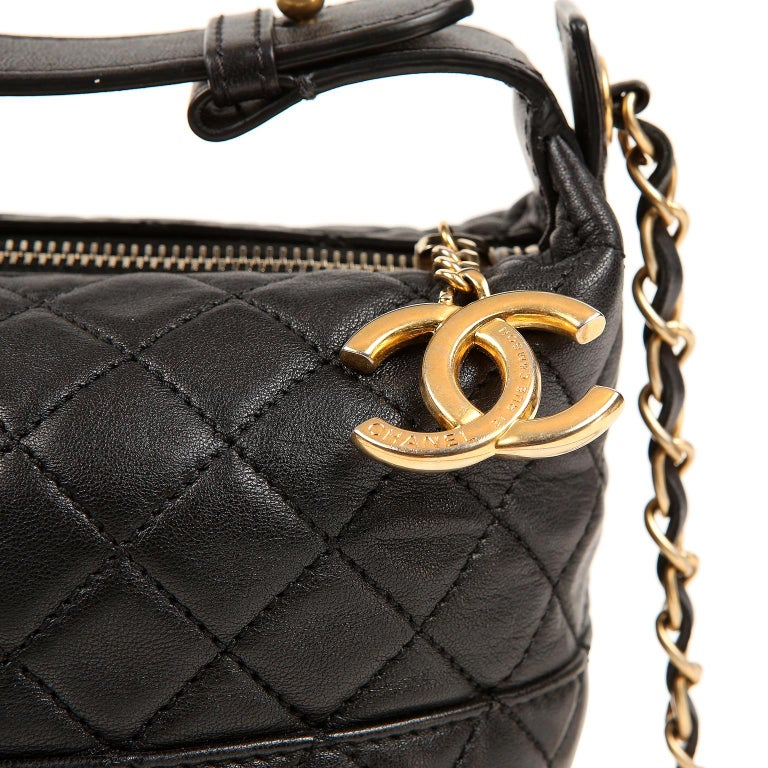 Chanel Black Quilted Leather Crossbody Bag For Sale 1