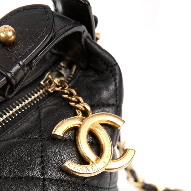 Chanel Black Quilted Leather Crossbody Bag For Sale 3