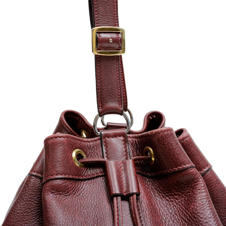 Hermes Bordeaux Leather Vintage Market Bucket Bag For Sale 3